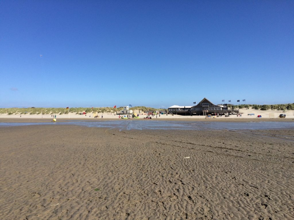 Beware Beach Strandpavillon Brouw